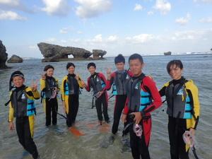 今日は沖縄の海でシュノーケルです!