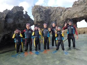 沖縄の青の洞窟シュノーケルです!!