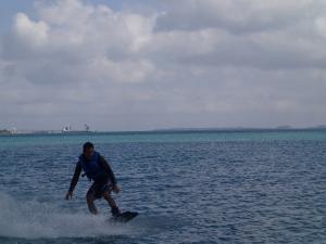 沖縄 ウエイクボードです!!