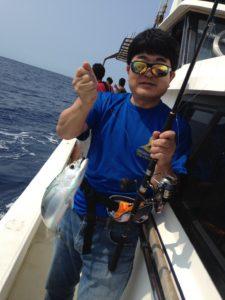 船に乗って沖まで出て釣りを体験!